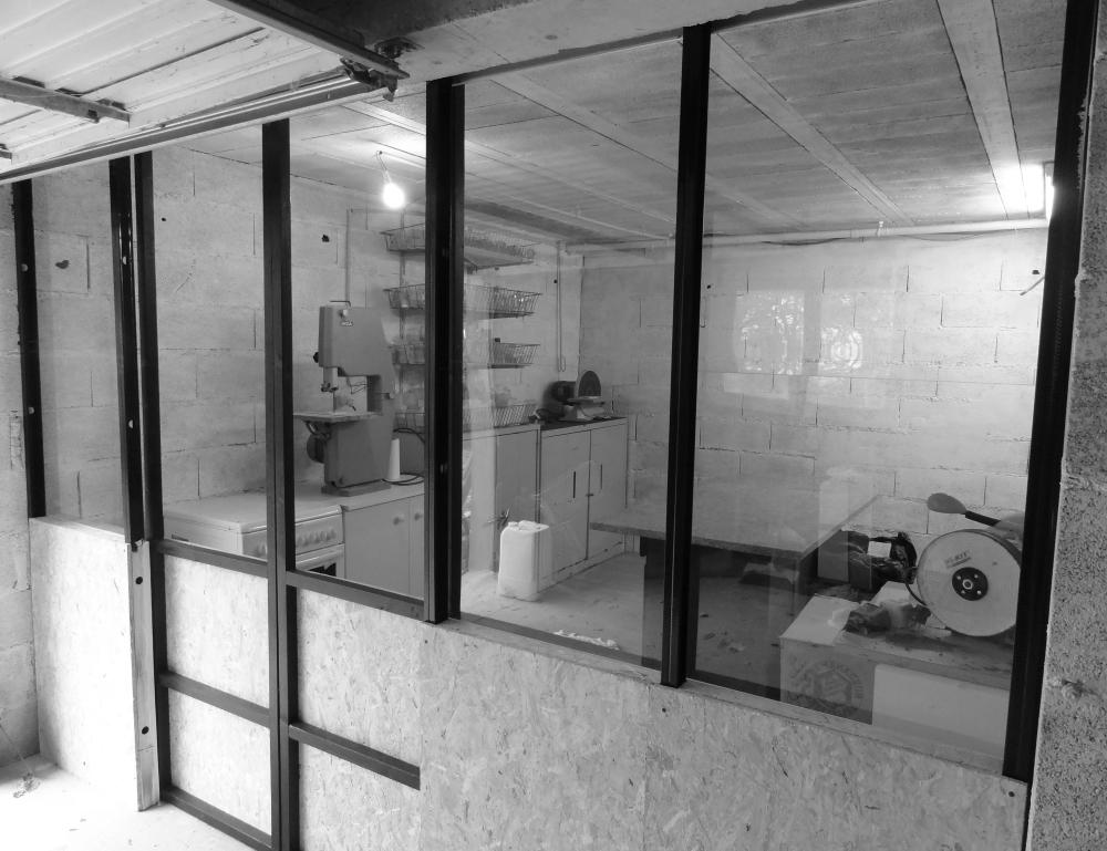 atelier vue plexi noir et blanc
