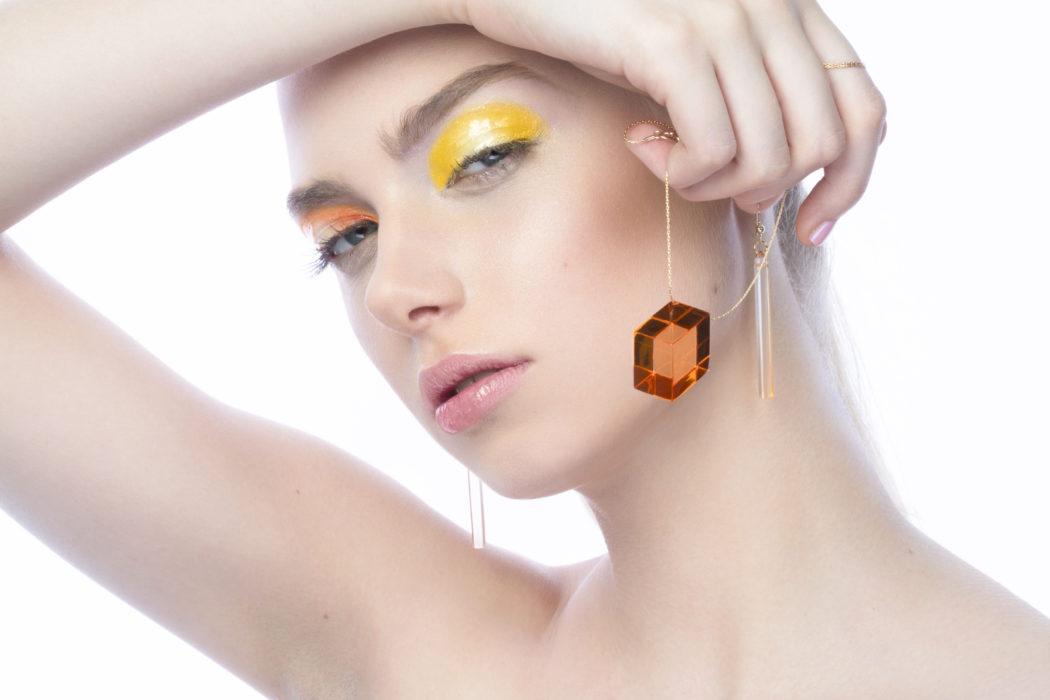 Bijoux en plexiglass